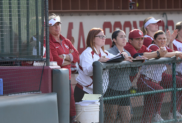 Oklahoma named NFCA Division I National Coaching Staff of the Year